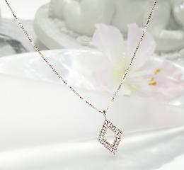 k18YG/WG/YG ひし形 ダイヤモンド ペンダントダイヤ ネックレス ダイア ダイヤモンド 可愛い 人気 18金 ゴールド ご褒美 贈り物 誕生日 記念 菱形