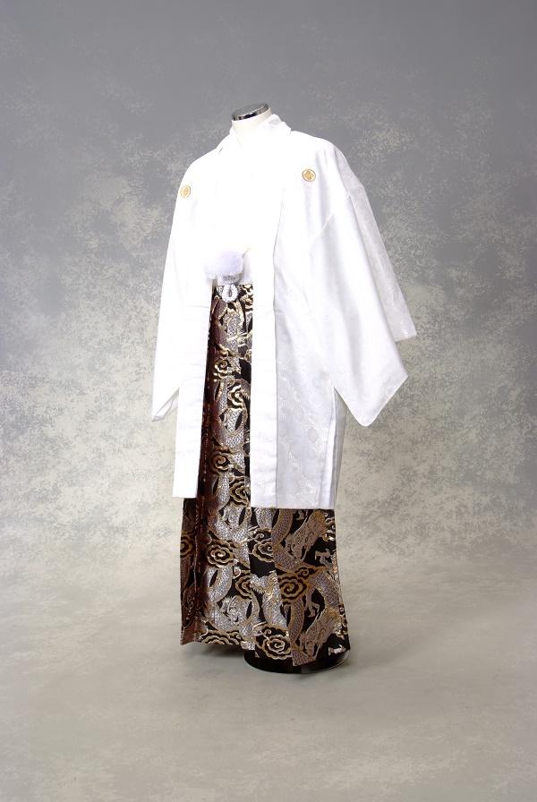 紋付袴レンタル・きものレンタル・男物羽織袴・成人式・卒業式・往復送料無料 白に黒龍の舞!ワンランク上の袴で差をつけろ