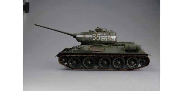 ラジコン戦車完成品トロTorro T34/85 オリーブグリーン2.4GHz(赤外線バトルシステム・サウンド仕様・迷彩塗装)RC Tank T 34/85 *** *** Torro 1/16 scale with INFRARED BATTLE SYSTEM 1112200707