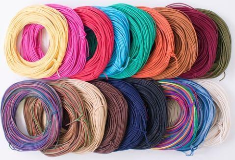 綿のヒモを樹皮加工し 革ひものような光沢を出しています 単色は堅牢染なので色落ちしにくく アクセサリー作りには最適なコードです メルヘンアート ロマンスコード 10m 全18色 物品 極細タイプ 販売実績No.1