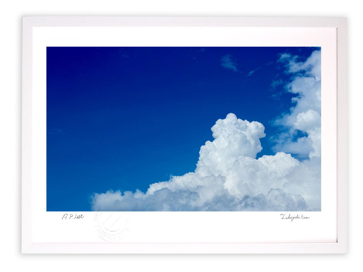 壁掛けアートは リビングや玄関におすすめのインテリア 絵画といえばルノワール ゴッホのひまわりといった名画が有名 豊富な品 かわいい壁飾りはお部屋を癒やしてくれそう プレゼントにも 版画 絵画 深い夏 入道雲と青空 アートフォト 美品 インテリア 壁掛け 額入り 額装込 油絵 リビング Mサイズ プレゼント おしゃれ アートフレーム 玄関 アートパネル 風景画 巣ごもり アート モダン ポスター 飾る