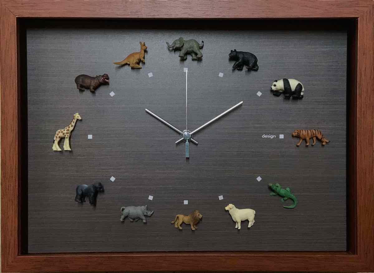 壁掛けアートは、リビングや玄関におすすめのインテリア。絵画といえばルノワール、ゴッホのひまわりといった名画が有名。かわいい壁飾りはお部屋を癒やしてくれそう。プレゼントにも 時計 壁掛け デザイン クロック ワイルドライフ1(野生動物)/掛け時計 置き時計 ウォールクロック インテリア 壁掛け 時刻 ギフト プレゼント 新築祝い おしゃれ 飾る かわいい アート Mサイズ