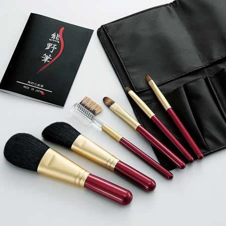 【代引き・同梱不可】【取り寄せ】 Kfi-R156 熊野化粧筆セット 筆の心 ブラシ専用ケース付き