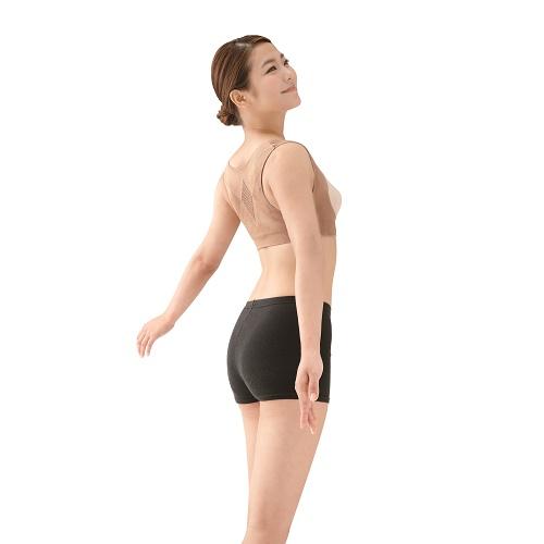 薄くて 軽くて 楽々 脱 巻き肩で美姿勢キープ 着用中は姿勢 背筋矯正インナー 美姿勢キープ 薄い 軽い袖なし 背筋ベルトで着用中は姿勢 着るだけで美姿勢ベージュM~L 男女兼用 美しい姿勢 猫背 サポート 3個セット 美姿勢 補整 お気に入 軽い 苦しくない 訳ありセール 格安