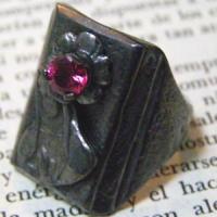 ブラックバースディローズストーンブラスリング(指輪)*Gaudi(ガウディジュエリー)