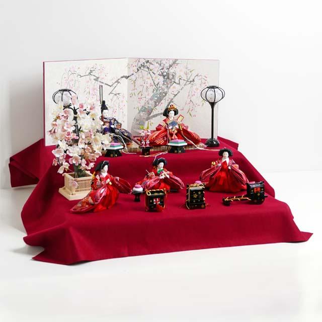 雛人形 二段飾り コンパクト収納飾り ひな人形 オーソドックスな色合いの雛人形を毛氈の上に並べる二段桐箱収納五人飾り
