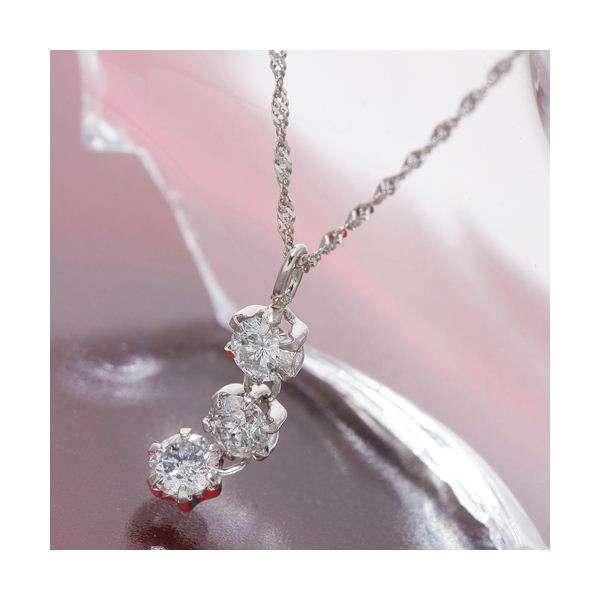 オールプラチナ スリーストーン ダイヤモンド ペンダント ネックレス