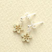 お花のピアス シルバー&K18ピアス ホワイトデー