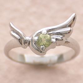 ベビーリング 刻印 出産祝い ウイング 誕生石 8月 ペリドット 宝石箱セット チェーン付 名入れ可