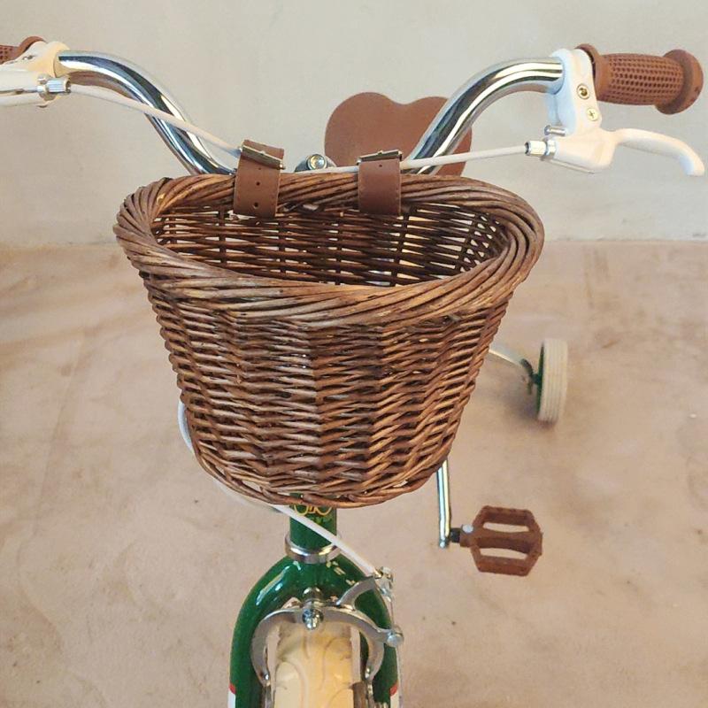 三輪車に取れ付ける可愛いかごです 二本のベルトで固定する仕様になっています 子供用 かご おしゃれ 可愛い ナチュラル インテリア雑貨 取付簡単小物入れ 収納雑貨 三輪車 小物 激安通販ショッピング コーディネート ボックス カゴバッグ バスケット 子ども セール特価 キッズ 自転車かご