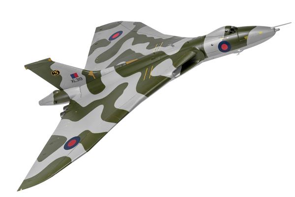 スタンド付属 飛行姿勢/駐機姿勢 選択展示可能  コーギー 1/72 アブロ バルカン B.2 XL319 イギリス空軍 第35飛行隊 スキャンプトン 1980年初頭(AA27205)【予約:2021年8月以降発売予定】通販 プレゼント 飛行機 航空機 完成品 模型