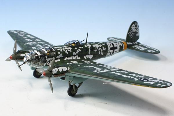 スタンド付属 飛行姿勢/駐機姿勢 選択展示可能  コーギー 1/72 ハインケル He-111 H-6 バルバロッサ作戦 1942.1.21 (AA33718)【予約:2021年11月以降発売予定】通販 プレゼント 飛行機 航空機 完成品 模型