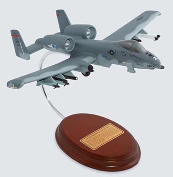 マホガニー製完成品 1/54 A-10A ウォートホッグ (B31054)