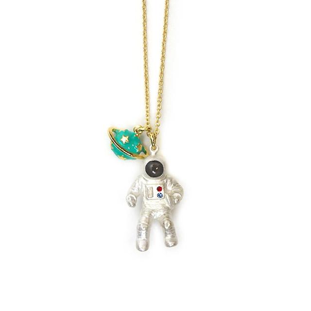 gargle/가굴 Astronaut Necklace 우주비행사 목걸이