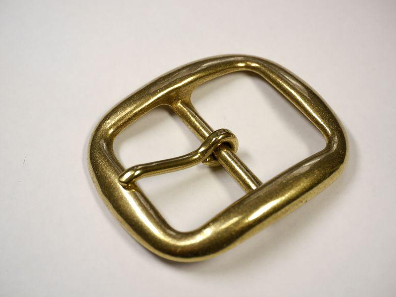 安心 高品質の日本製 [宅送] 真鍮無垢 ベルト幅40mm用 シングルピンバックル ゴールド ブラス 馬具職人工房 高級な