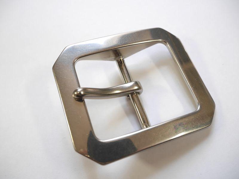 メーカー公式 安心 高品質の日本製 ベルト幅40mm用 超特価SALE開催 重厚八角バックル 真鍮製 シルバー 馬具職人工房