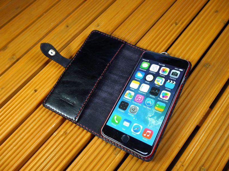「iPhone 6 Plus /6s Plus」アイフォン6プラス /6s Plus 専用 横型 手帳型ケース 馬具職人 ハンドメイド 完全一点もの 総手縫い 栃木レザー社  黒革×赤 ベンズサドルレザー製 メンズ スマフォ 馬具職人工房