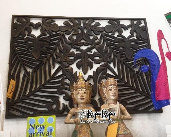 木製大型彫刻レリーフ(両面彫り)95×70【バリ 木製 レリーフ パネル 壁掛け 壁飾り お花 デザイン 欄間 アートパネル 木彫り 彫刻 木彫り 手彫り ウォールアート ウッドパネル バリ島 アジアンインテリア 南国 リゾート おしゃれ】