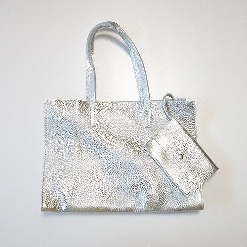 牛革レザーバッグ,シルバー色,本革,マチ型バッグ,母の日