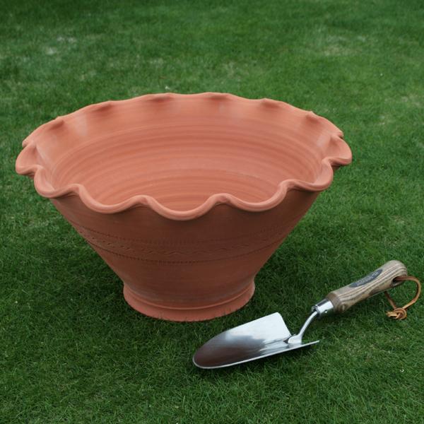 /在庫限り/ウィッチフォード スカラップ ボウル 直径41センチ(約13.5号鉢) Whichford 英国製植木鉢 イギリス 【送料無料】【店頭受取対応商品】