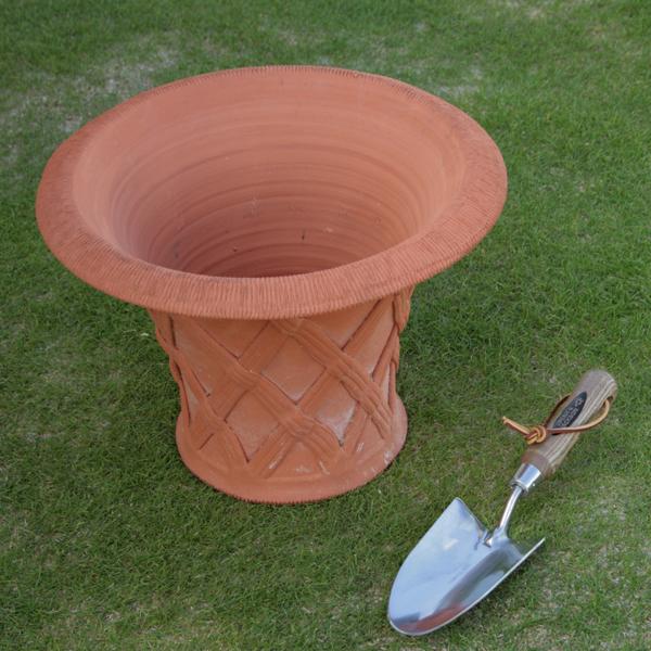 ウィッチフォード フレアー バスケットポット 直径33センチ(約11号鉢) Whichford 英国製植木鉢 イギリス 【送料無料】【店頭受取対応商品】