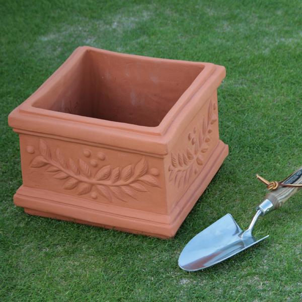 /在庫限り/ウィッチフォード スクエア プランター 直径28センチ(約9号鉢) Whichford 英国製植木鉢 イギリス 【送料無料】【店頭受取対応商品】