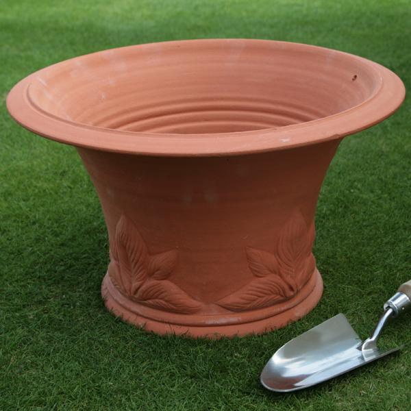 /在庫限り/ウィッチフォード ホスタ ポット 直径44センチ(約14.5号鉢) Whichford 英国製植木鉢 イギリス 【送料無料】【店頭受取対応商品】