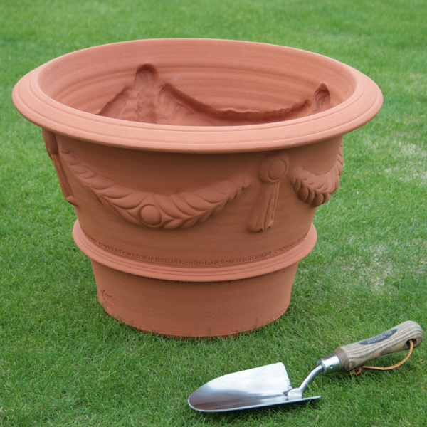 /在庫限り/ウィッチフォード イタリアネイト ポット 直径47センチ(約15.5号鉢) Whichford 英国製植木鉢 イギリス 【送料無料】【店頭受取対応商品】