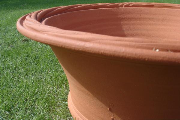Terra-cotta United Kingdom Whichford (Wickford) rope pot diameter 39 cm (approximately 13 Bowl)