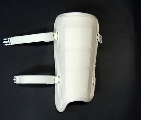 学生野球対応 フットガードならベルガード プロ選手使用レベルです ベルガード BELGARD 4年保証 フットガード ホワイト プロモデル 甲なし 公式サイト FG620 白 レッグ 高校野球対応 合皮巻きタイプ ガード