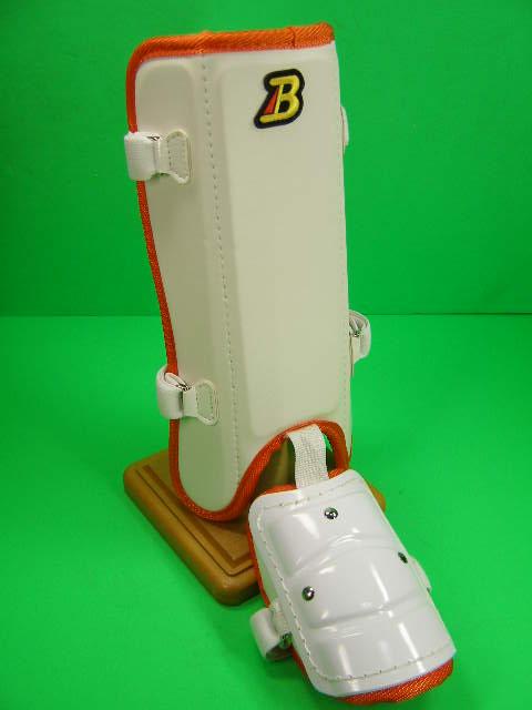 フットガードならベルガード プロ選手使用レベルです ベルガード BELGARD マート プロ仕様 合皮巻きタイプ フットガード ホワイト プレゼント レッグ ロングタイプ FG912 ガード オレンジ