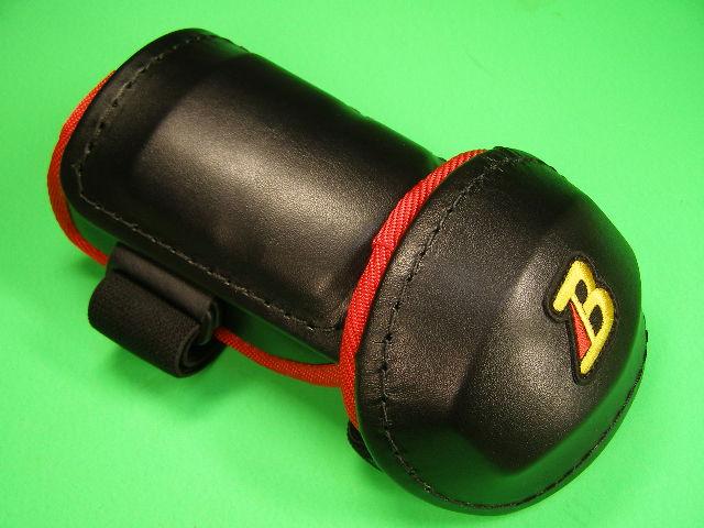 アームガードならベルガード プロ選手使用レベルです ベルガード BELGARD プロ仕様 メーカー公式ショップ 合皮巻きタイプ ひじ AL811 アームガード 限定モデル エルボーガード ブラック×レッド