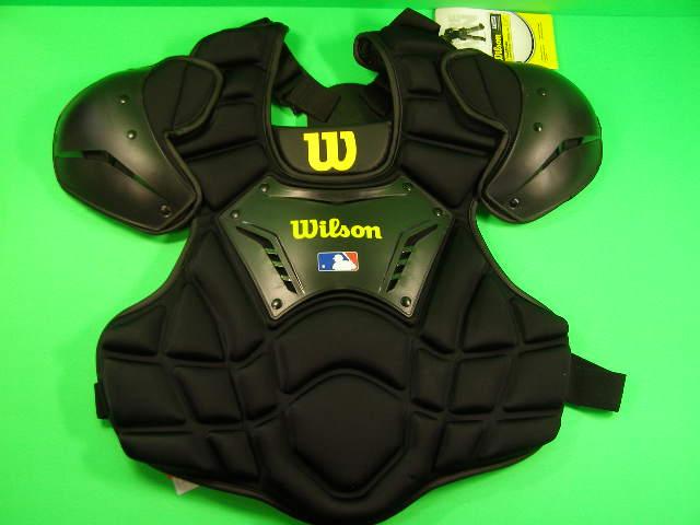 送料無料 ウィルソン Wilson 硬式用 審判用インサイドプロテクター Guardian Umpire Chest Protector WILSON 輸入品 軟式M号球 硬式野球 ソフトボール