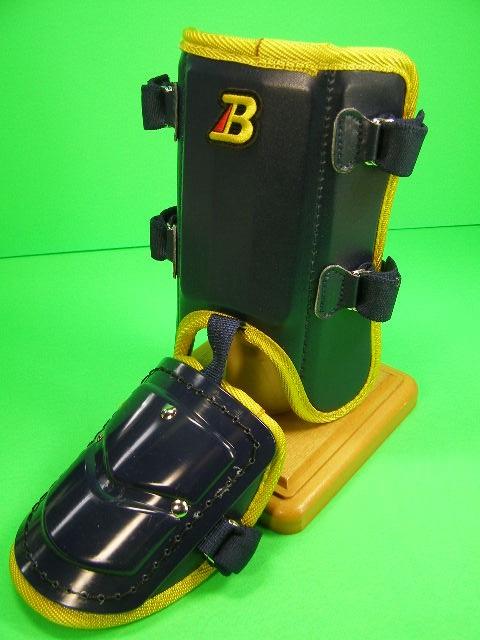 フットガードならベルガード 爆売りセール開催中 プロ選手使用レベルです ベルガード BELGARD プロ仕様合皮巻きタイプ フットガード FG902 ネイビー×イエロー レッグ ショートタイプ ガード 営業