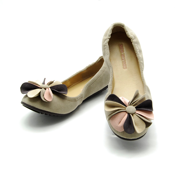 CV223202/ is cute; a slightly bigger flower motif is the ballet shoes of the accent. Of the shirring rubber which is hard to come off wear it, and the mouth points it, too! fs3gm10P14Nov13
