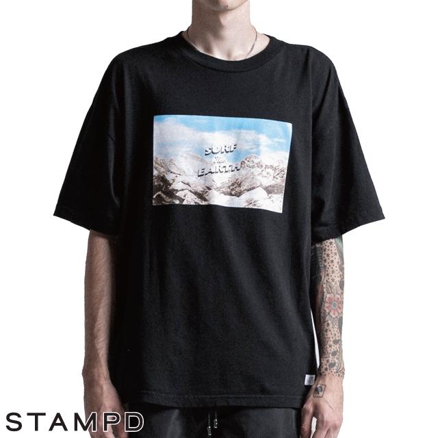 【スーパーSALE ポイント20倍 1327939】 STAMPD スタンプド Short Sleeve T-shirt サーフ ザ アース半袖Tシャツ インナー Surf The Earth Tee S-M2194TE 最新 正規品 Chris Stamp クリススタンプ IMPORT FASHION Los Angels 通販 オシャレ かっこいい モテる