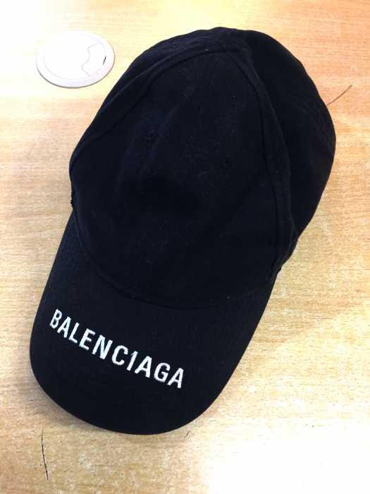 バレンシアガ BALENCIAGA キャップ帽子 メンズ 2018年秋冬新作 黒系 L EMBROIDERY LOGO BASEBALL CAP【中古】【ブランド古着バズストアBAZZSTORE】【250320】