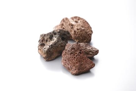 ガスBBQを使用の際 炭のような役割をします 付与 遠赤外線でBBQ食材を焼く 溶岩石がガスBBQの美味しさの秘密 何回でも使用可能 評判 平均石サイズ 35~50mm 約1.5kg 3000円 2000円 約1.0kg ラバロック 焼物用溶岩