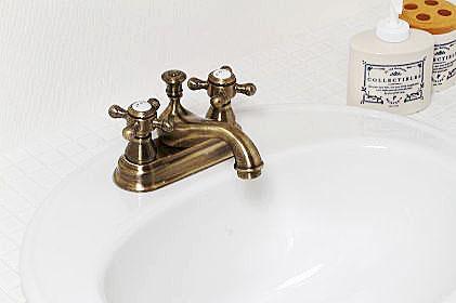 〔4PCVA〕 JODEN社製 混合水栓 一生涯保障バルブ Victoria|アンティークブラス