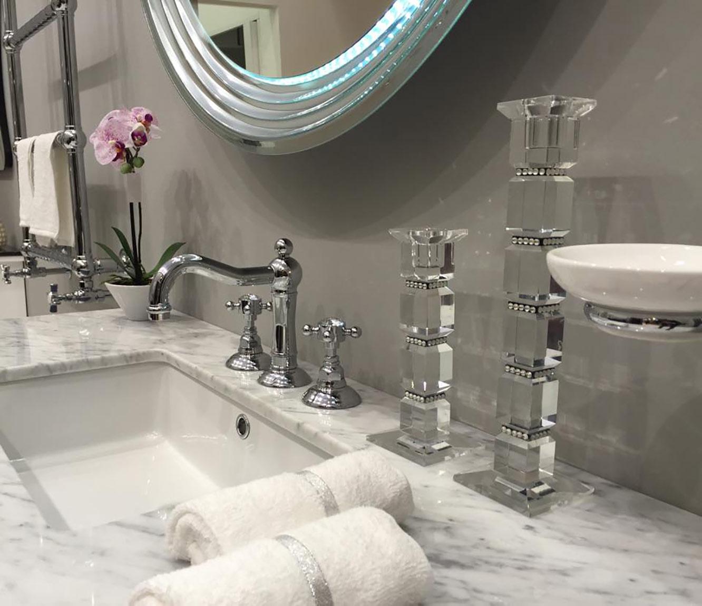 世界中の五つ星ホテルで採用されている超高級水栓をラインナップ -数量限定- 10%OFF 洗面水栓 交換 リフォーム おしゃれ 混合水栓 イタリア製 三つ穴用 ラッピング無料 奥行16.5×吐水口高9.6cm スワロフスキー ニコラッツイ 1409-93 8インチ Nicolazzi SWAROVSKI