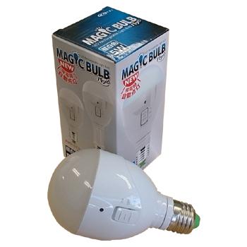 [ 送料無料 停電時 自動点灯 バッテリー内蔵 LED電球 懐中電灯 ] マジックバルブパッと [ MBP5W-B ] 白色 4個入  充電式LED電球 E26口金 自動停電感知機能搭載 非常灯 リチウム 送料込 最安値に挑戦