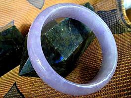 翡翠 バングル ラベンダー翡翠 バングル 翡翠バングル-199 天然石 バングル 翡翠 原石 天然石