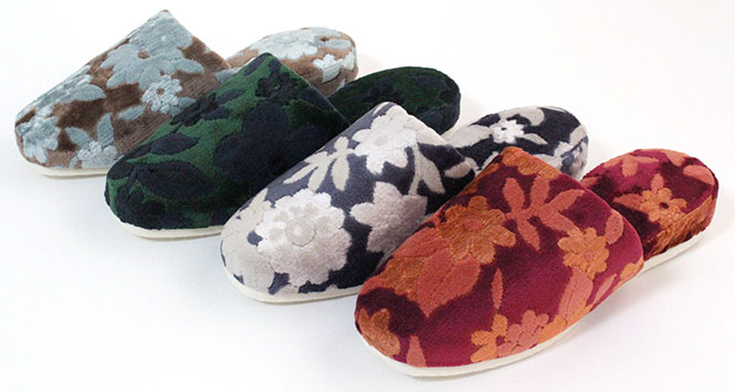 I can choose slippers flower velour ten pairs set felt bottom color!  It is warm by the fashion for the visitor