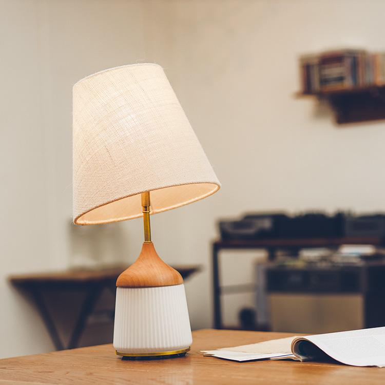 ヴァルカ テーブル ランプ Valka Table Lamp【テーブルライト テーブルスタンド スタンドライト 照明器具 間接照明 寝室 ベットルーム ベットサイド インテリア おしゃれ シンプル かわいい ナチュラル 新生活 テレワーク】