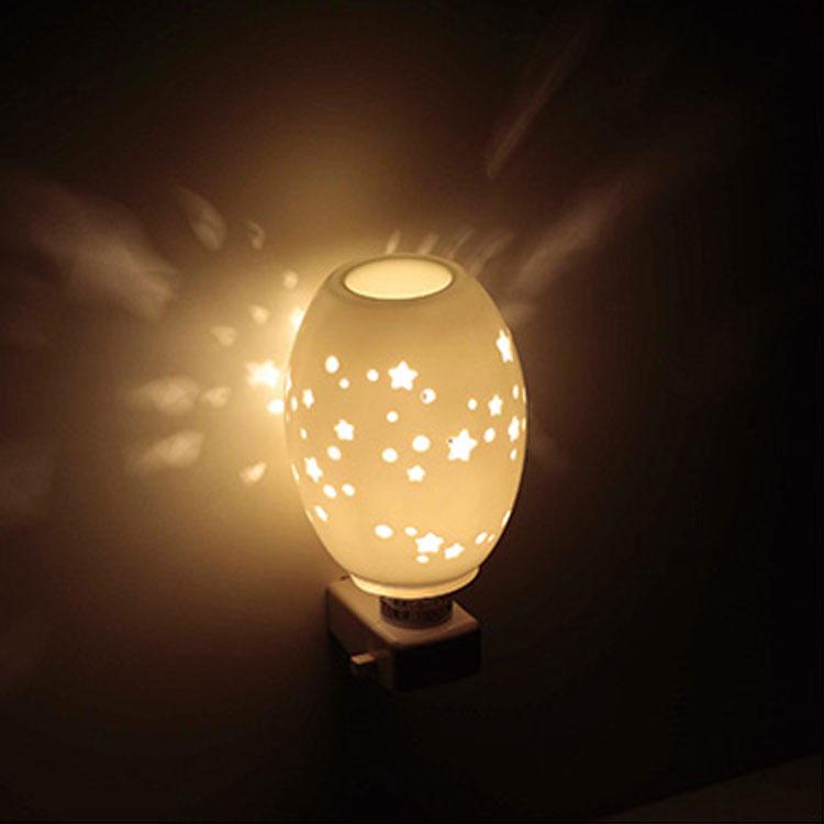 アロマライト セラミックアロマライト コンセント型|照明 間接照明 アロマランプ アロマ コンセント 寝室 かわいい おしゃれ 北欧 アジアン 花 花柄 プレゼント セラミック インテリア スタンド ランプ 居間用 リビング用 照明器具 スタンドライト