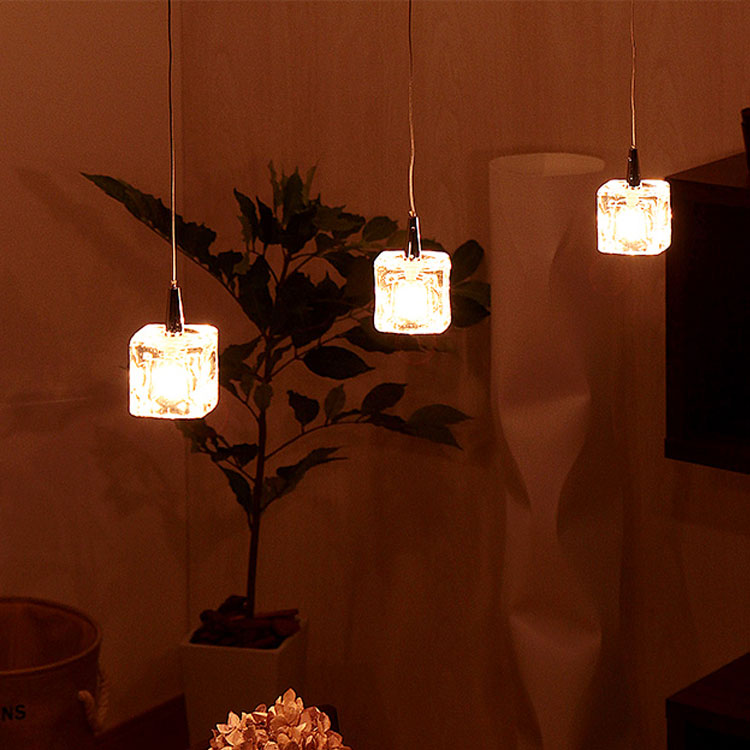 ガラスキューブ LED ペンダントライト 3灯 キシマ[kishima] CUBE LED ペンダントライト照明 CC-40325 シーリングライト 照明器具 天井照明 おしゃれ 間接照明 ダイニング用 北欧 6畳用 レトロ ライト 食卓用 電気 リビング用 居間用 子供部屋