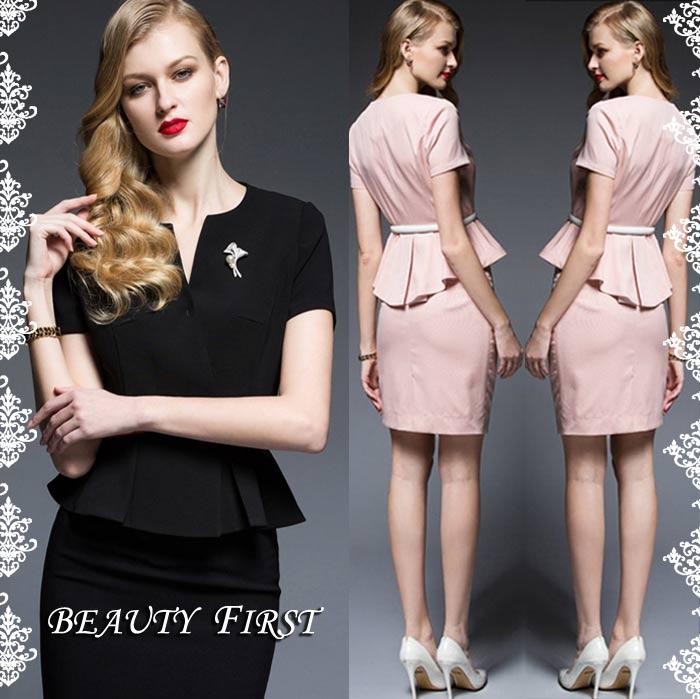 <title>結婚祝い レディース高品質ぺプラム半袖スーツ ピンク 白 黒の3カラー ジャケットのバックフリルは長めにデザインされており どの角度から見ても魅力的です パンツタイプもございます ぺプラム半袖スーツ ノーカラージャケット タイトスカート大人レディースタイルに クラシカルエレガント 20代30代40代50代60代ミスミセス 結婚式披露宴二次会パーティ女子会通勤お呼ばれ上品フォーマル</title>