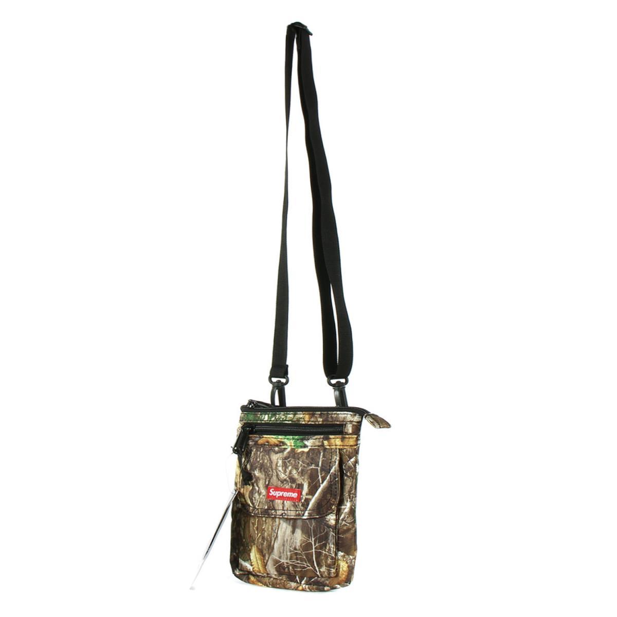 Supreme (シュプリーム) バッグ 19AW カラビナ 付き コーデュラ ナイロン ショルダーバッグ Shoulder Bag ツリーカモ 【メンズ】【K2403】【あす楽☆対応可】
