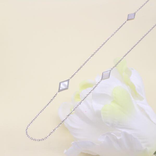 【送料無料】ウノアエレWG(ホワイトゴールドデザインロングネックレス・80cm