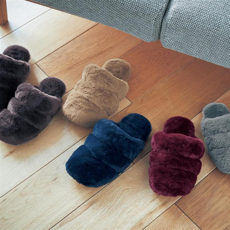 足を暖かく包み込む着厚洗えるボアスリッパ